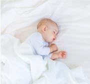 Primaire reflexen en bewegingen bij een baby
